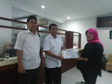 Penyerahan Bantuan Peduli Sulawesi Tengah melalui Kedaulatan Rakyat